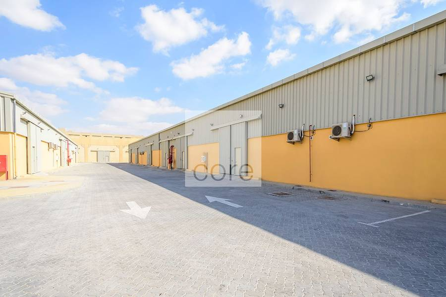 10 Fitted warehouse / Mussafah Industrial Area