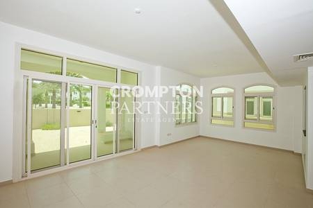 3 Bedroom Villa for Rent in Al Ghadeer, Abu Dhabi - Single row villa  with  well kept garden