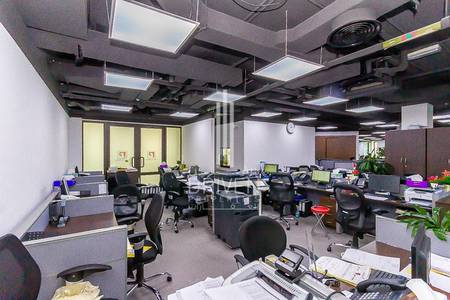 Office for Sale in Old Town, Dubai - Large Fitted Space Office|Prime Location