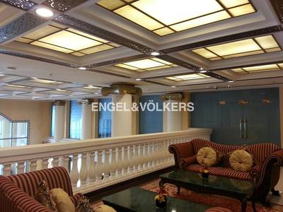 Shop for Rent in Palm Jumeirah, Dubai - Premium all-sided display luxury shop