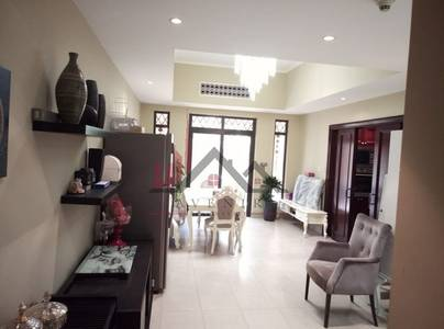 2 Bedroom Flat for Rent in Old Town, Dubai - Bright and Spacious Fully Furnished Unit