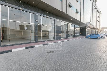 Shop for Rent in Sheikh Maktoum Bin Rashid Street, Ajman - Fitted Office Space | Brand New Building