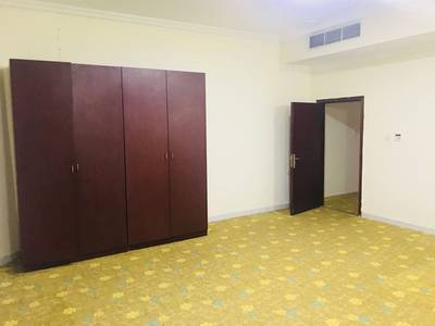 2 Bedroom Flat for Rent in Mussafah, Abu Dhabi - EXCELLENT 2 BHK WITH BALCONY AND IN BEAUTIFUL LOCATION SHABIA M-10