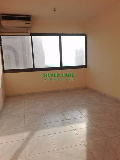 1 Bedroom Flat for Rent in Al Falah Street, Abu Dhabi - 1 B/R Flat with Tawtheeq Contract & Mawaqif near Al Falah Plaza