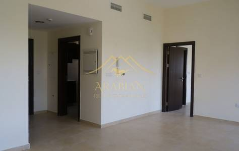 1 Bedroom Apartment for Rent in Remraam, Dubai - Vacant Upgraded and Spacious 1 bedroom in Al Thamam 22