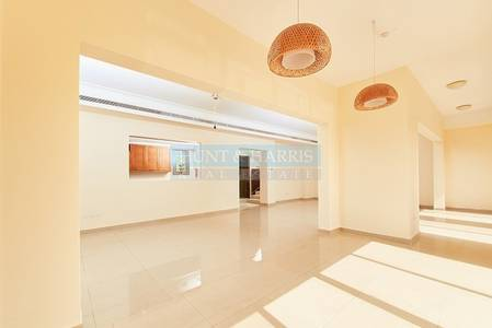 3 Bedroom Townhouse for Rent in Al Hamra Village, Ras Al Khaimah - Extended Al Hamra Village Townhouse - A Place to call Home