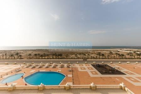 2 Bedroom Apartment for Sale in Al Hamra Village, Ras Al Khaimah - Live by the Beach - Stunning Sunset/Sea Views- High Floor!