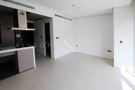 Studio for Rent in Dubai Marina, Dubai - Pool View | Unfurnished | Modern Finish
