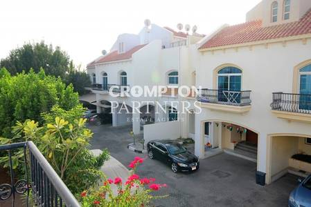 3 Bedroom Villa for Rent in Al Karamah, Abu Dhabi - Family Villa in a Lovely Compound Setting