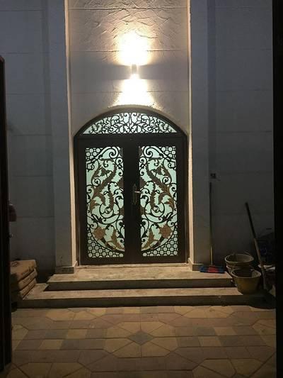 3 Bedroom Villa for Rent in Mohammed Bin Zayed City, Abu Dhabi - HUGE 3BHK SP ENTRANCE FRONT YARD IN VILLA AT MBZ