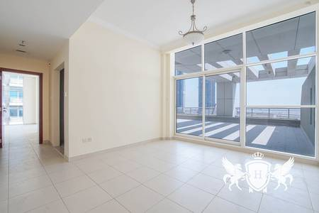 1 Bedroom Flat for Rent in Business Bay, Dubai - Private terrace   Burj and Canal Views   Bright 1BR