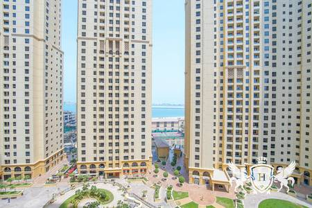 3 Bedroom Flat for Rent in Jumeirah Beach Residence (JBR), Dubai - 3BHK Unfurnished l Partial Sea View I Good Layout