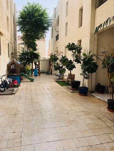 5 Bedroom Villa for Rent in Al Karamah, Abu Dhabi - Compound