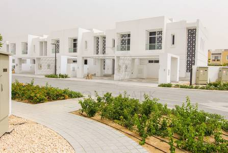 3 Bedroom Villa for Rent in Mudon, Dubai - SINGLE ROW KEYS IN HAND SECTOR 2 ARABELLA 1