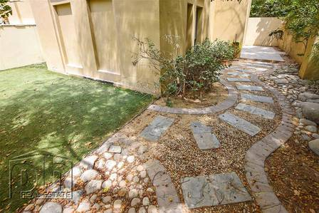 2 Bedroom Flat for Sale in Old Town, Dubai - | OT Specialist | 1500 sqft Garden | 1+S |