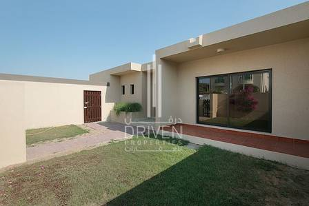 3 Bedroom Villa for Rent in Jumeirah, Dubai - Fully Renovated Unit with Private Garden
