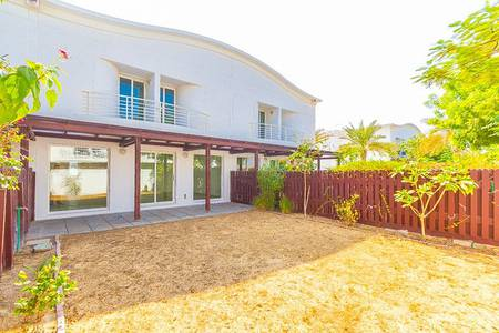 3 Bedroom Villa for Rent in Jumeirah, Dubai - Managed and Fully upgraded | Private garden