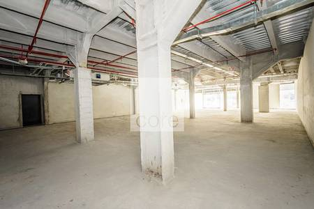 Shop for Rent in Al Quoz, Dubai - Retail with competitive rent in Rawabeh
