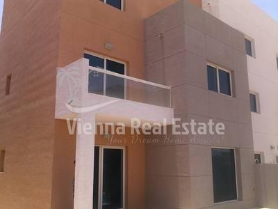 3 Bedroom Villa for Sale in Al Reef, Abu Dhabi - Amazing hot deal 3 Bedroom Villa for Sale  AED 1500000
