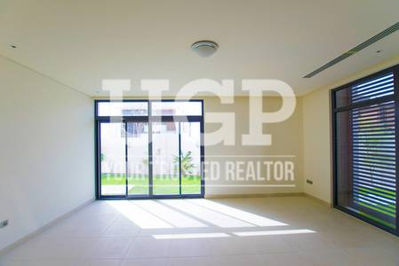 4 Bedroom Villa for Sale in Yas Island, Abu Dhabi - Brand New Villa w/ Maids Rm. and Garden!