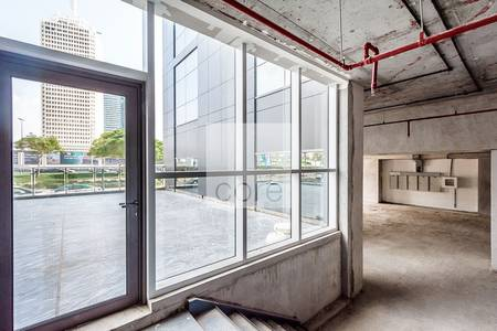 Shop for Rent in Sheikh Zayed Road, Dubai - Spacious Shell and Core Retail Unit | Duja