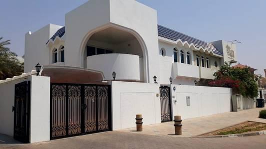 Villa for Rent in Jumeirah, Dubai - HURRY UP COMMERCIAL VILLA FOR RENT IN JUMEIRAH BEACH ROAD