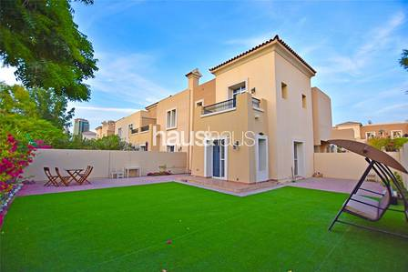 3 Bedroom Villa for Rent in The Lakes, Dubai - Landscaped Garden | Immaculate Condition