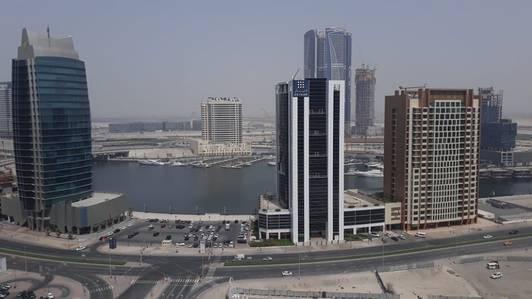 2 Bedroom Flat for Rent in Downtown Dubai, Dubai - VERY GOOD LOCATION 2 BEDROOM FOR RENT IN DOWNTOWN LAKE VIEW