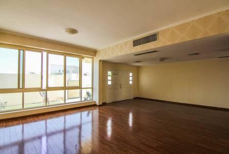 4 Bedroom Villa for Rent in Jumeirah, Dubai - New 4 Bedroom with Pool and Wooden Floor