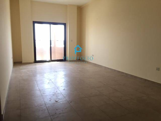 Free A/C Spacious 1 bedroom with balcony