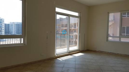 3 Bedroom Apartment for Rent in Motor City, Dubai - Spacious 3br + maid Storage Laundry room