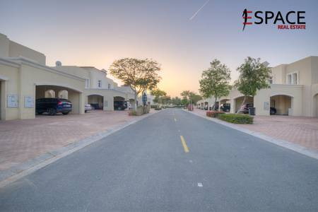 3 Bedroom Villa for Rent in The Lakes, Dubai - Well Maintained - Type 3E - Landscaped Garden