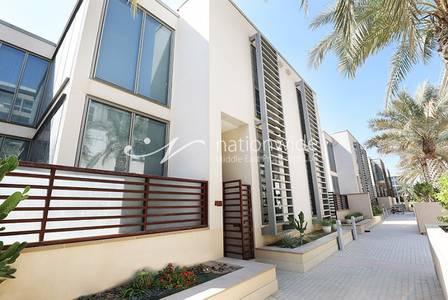 4 Bedroom Villa for Sale in Al Raha Beach, Abu Dhabi - Urban Charm 4 BR Villa with Private Pool