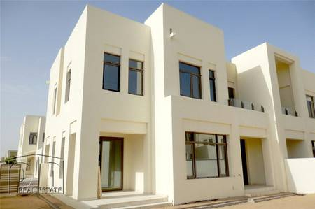 4 Bedroom Villa for Sale in Reem, Dubai - October handover and very close to pool.
