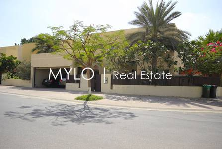 5 Bedroom Villa for Rent in The Meadows, Dubai - Furnished 5 B/R Corner Plot Private Pool