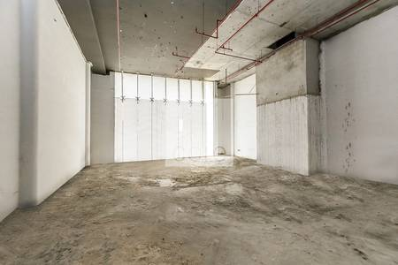 Shop for Rent in Jumeirah, Dubai - Shell and core unit I Low floor I Jumeirah