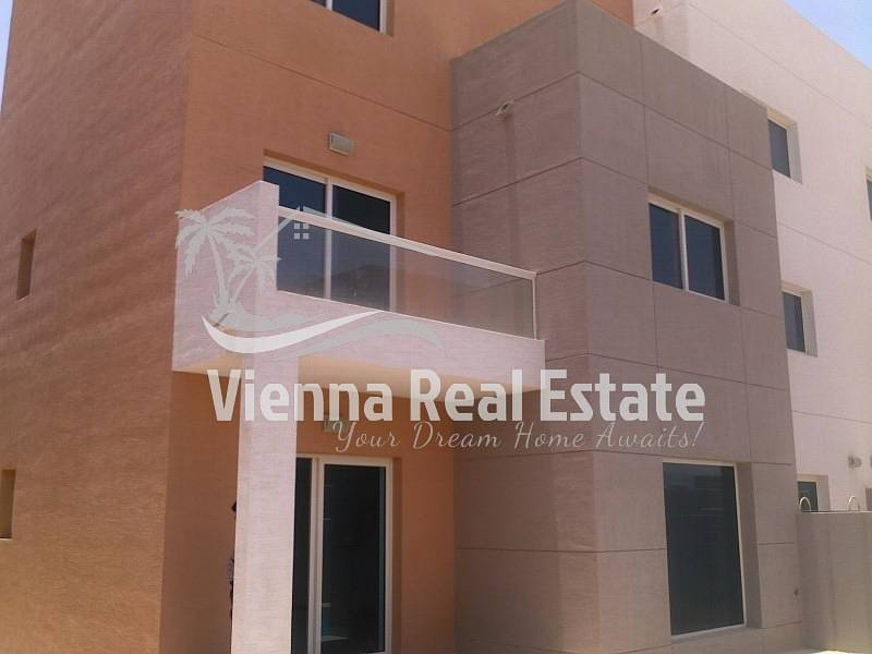 13 HOT DEAL! 3 BR Villa for Sale AED 1.45M!