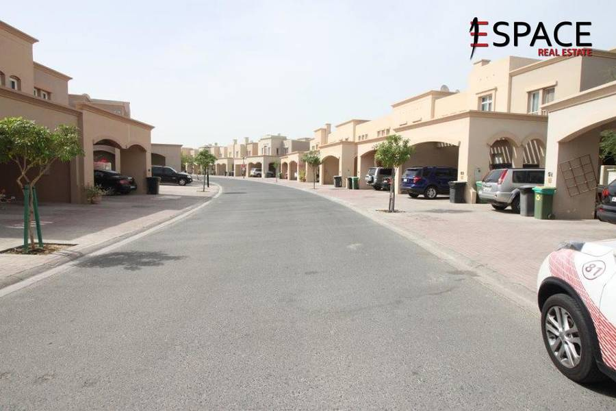 3E - Springs 11 - Great Location