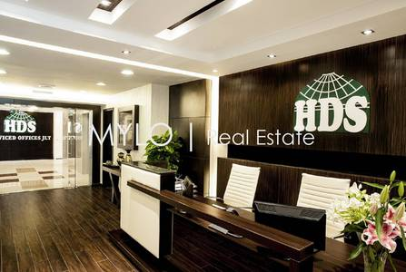 Office for Rent in Jumeirah Lake Towers (JLT), Dubai - JLT Low Price Furnished Office Lake View