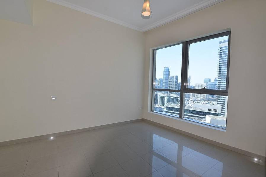 Amazing 1 BR in Bay Central West