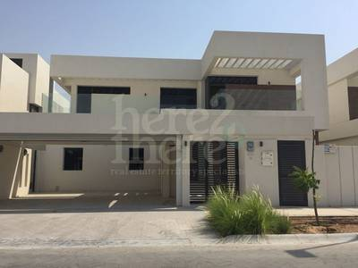 5 Bedroom Villa for Sale in Yas Island, Abu Dhabi - Luxurious T4C1! 5 BR Villa in West Yas Hot Deal