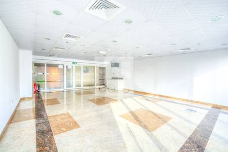 Shop for Rent in Jumeirah Lake Towers (JLT), Dubai - Fitted Retail Space  I 1 Month Rent Free