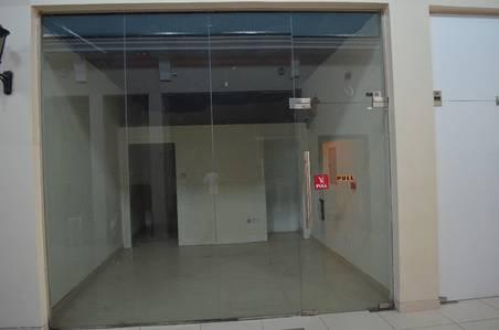 Shop for Rent in Al Quoz, Dubai - Inside Shop