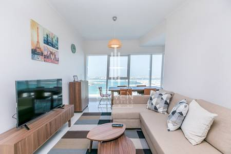 Huge and Vibrant 2 BR Apt | Marina Views