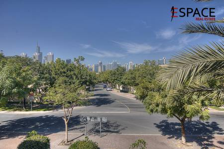 5 Bedroom Villa for Rent in The Meadows, Dubai - Amazing - Upgraded - Type 7