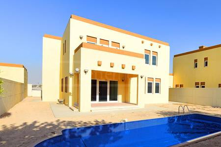 3 Bedroom Villa for Sale in Jumeirah Park, Dubai - New 3 Bed Heritage Large Villa with Pool and Maids