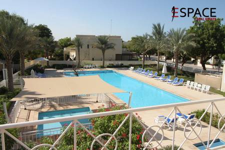 4 Bedroom Villa for Rent in The Lakes, Dubai - Upgraded Kitchen | Pool View | Immaculate