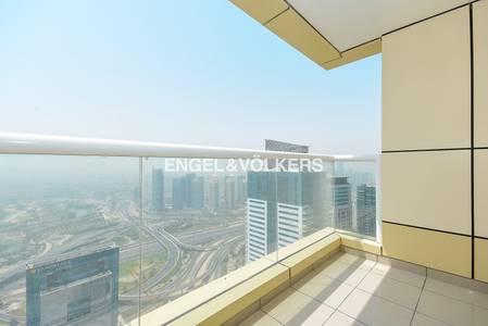 2 Bedroom Apartment for Rent in Dubai Marina, Dubai - Great Location|Sea and Golf Course Views
