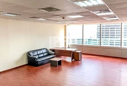 Office for Rent in Jumeirah Lake Towers (JLT), Dubai - Vacant | Fitted | Lake View | Silver Tower