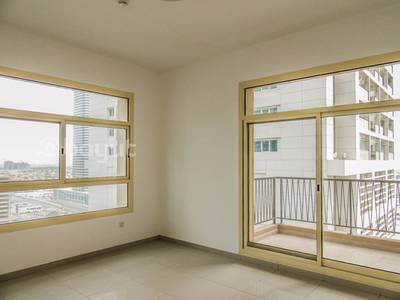3 Bedroom Flat for Rent in Jumeirah Lake Towers (JLT), Dubai - 3 Bed+Maid + Attached Baths + Full Lake View on High and Low Floors In Family Building